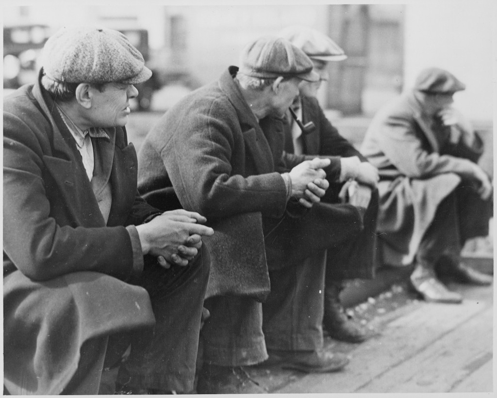 Row of men at the New York City docks out of work during the depression, 1934